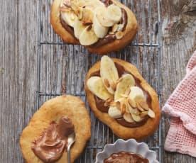 Mini-Langos mit Nougat-Creme und Banane