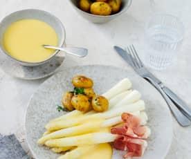 Espargos e batata com molho holandês