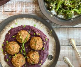 Taze Soğanlı Köfte, Havuçlu Patates Püresi ve Bademli Brokoli