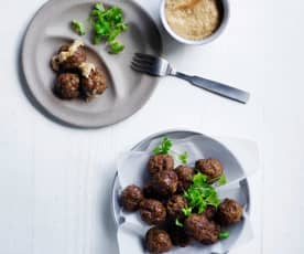 Beef balls with peanut sauce (10-12 months)