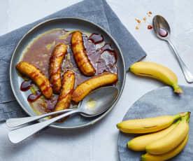Bananen in würziger Karamellsauce