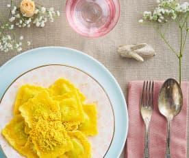 Ravioli di ricotta e asparagi con riccioli di tuorlo (senza glutine)