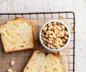 Plum cake de coliflor con cacahuetes