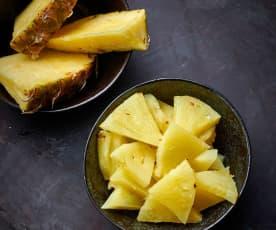 Cozer 200-400 g de ananás