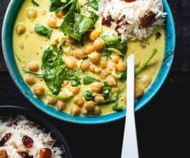 Curry de pois chiches aux épinards, riz aux cranberries