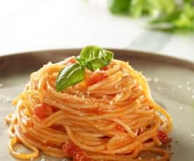 Domates Soslu Spagetti