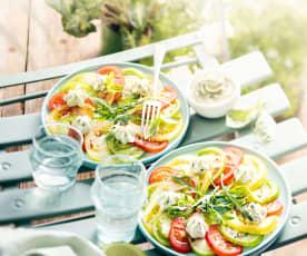 Salade de tomates, crème au basilic