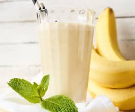 Erdnuss-Bananen-Proteinshake