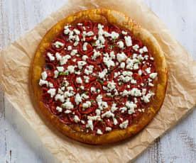 Tart tatin con pomodori e formaggio fresco