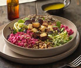 Bunte Quinoa Bowl mit rotem Karfiolreis