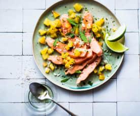Saumon confit à l'huile, salsa à l'orange