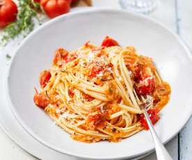 Linguine in Tomatenbutter