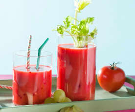 Zumo de tomate con uvas y miel
