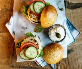 Burgery rybne z majonezem kaparowo-limonkowym