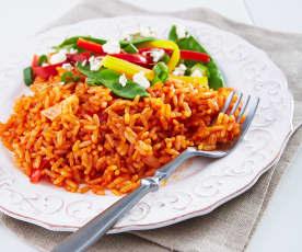Arroz rojo con verduras de verano y queso feta