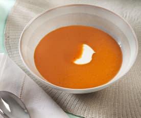 Peperoni-Crèmesuppe mit Ingwer