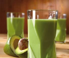 Bevanda energetica a base di mela, avena e avocado