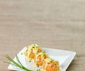 Choux de camarão com molho de açafrão