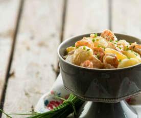 Salada de batata e camarão com molho cocktail