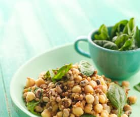 Salada de três leguminosas