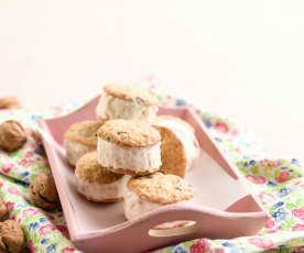 Sanduíche de cookies com gelado de noz