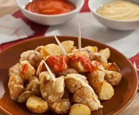 Patatas bravas in tempura