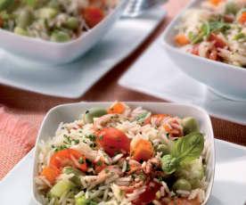 Insalata di riso alle erbe, fave e calamari