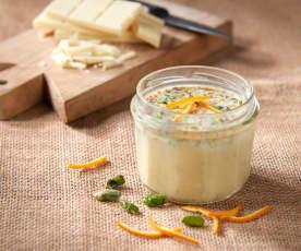 Salsa al cioccolato bianco e pistacchi al profumo di arancio