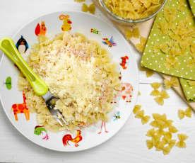 Těstoviny se šunkou a sýrem