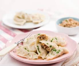 Pierogi z kaszą gryczaną i serem feta