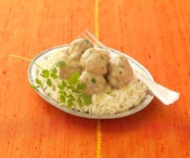 Indische Lammbällchen mit Joghurtsauce