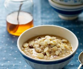 Apple, Sultana and Cinnamon Porridge