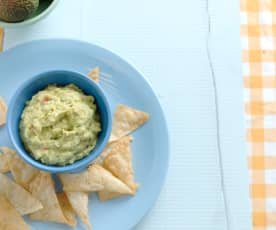 Nachos sem glúten com guacamole