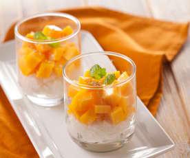 Dessert di riso al mango