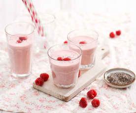 Smoothie truskawkowo-jogurtowe z nasionami chia