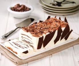 Semifreddo alla panna con lamine di cioccolato