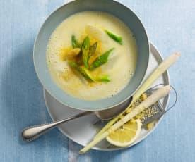 Chřestová polévka s citrónovou trávou a kokosovým mlékem