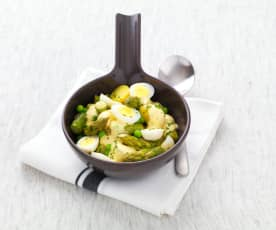 Uova di quaglia, piselli e asparagi con maionese