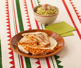 Sincronizada au poulet, tomate et coriandre