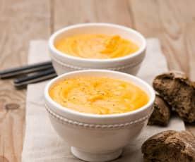 Kremowa zupa batatowo-pomarańczowa
