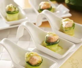 Zucchini-Lachs-Röllchen mit Currydip
