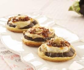 Sandwiches aubergine, fromage et oignons caramélisés