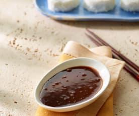 Schokoladen-Kokos-Sauce zu süßem Sushi