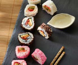 Süßes Sushi mit Obst (Inside-out)