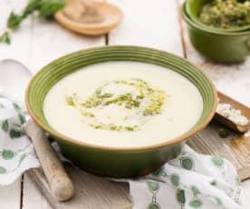 Zupa ziemniaczana z orzechowym wegańskim pesto