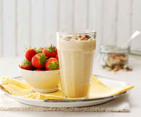 Smoothie muesli, fragole e cannella