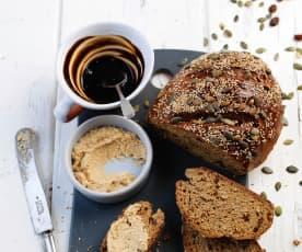 Pão rápido com manteiga de caju