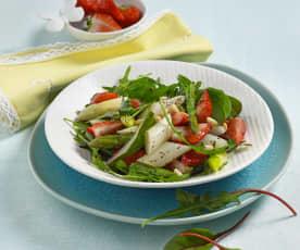 Asperges et fraises en salade