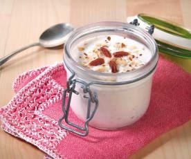 Yogurt al cocco con frutta secca