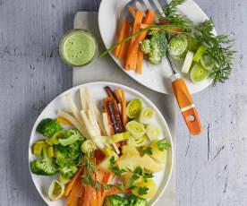 Gemüseplatte mit Petersilien-Zitronensauce